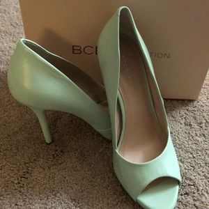 BCBGeneration heels, size 9. Light green